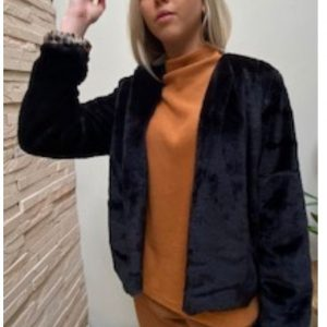 Black faux Fur Jacket w Cheetah