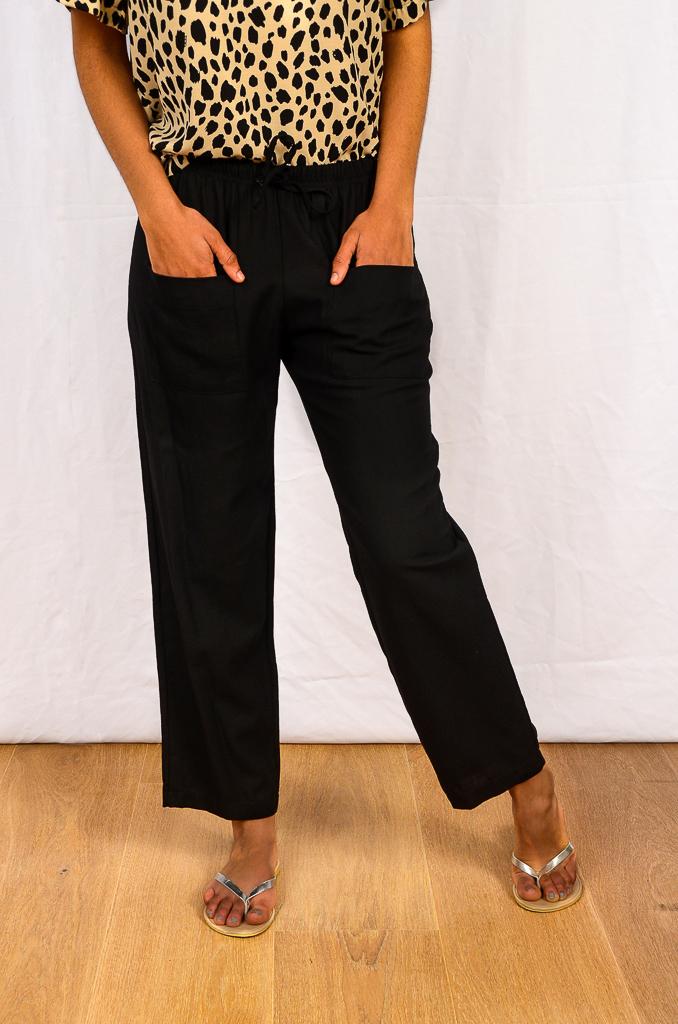 SS21 Black Ankle grazer w pockets