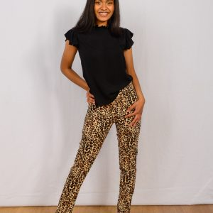 SS21 Slimpant brown leopard & black frill – hip to side