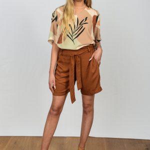 SS21 Tan REtro Blouse tucked into Tan Shorts w heels